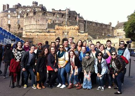 Group photo in front of the Edinburgh Castle.